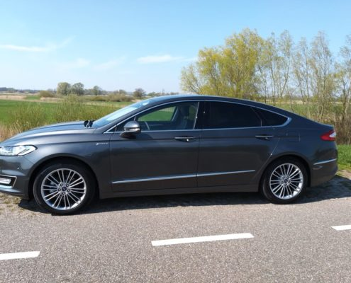 Ford Mondeo Vignale taxi kampen